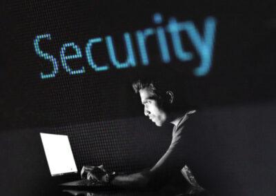"""Pericoli su Internet, le """"trappole"""" sul web e l'aiuto di Get Digital"""